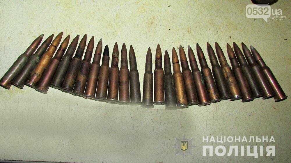 На Полтавщині двоє чоловіків із ножами напали на поліцейських. Довелося стріляти, фото-2