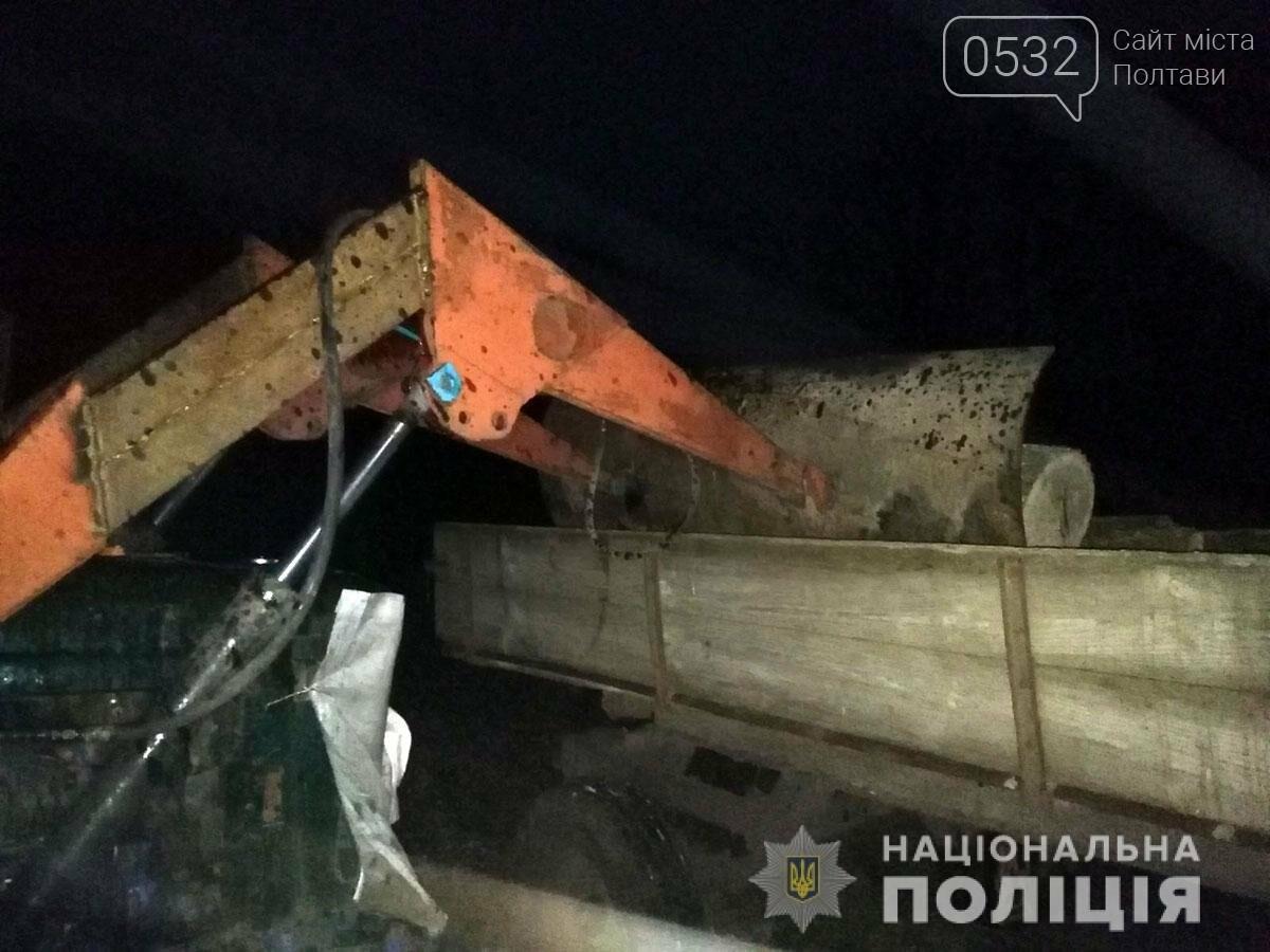 На Полтавщині поліція викрила чоловіка у незаконній порубці дерев дубу, фото-2