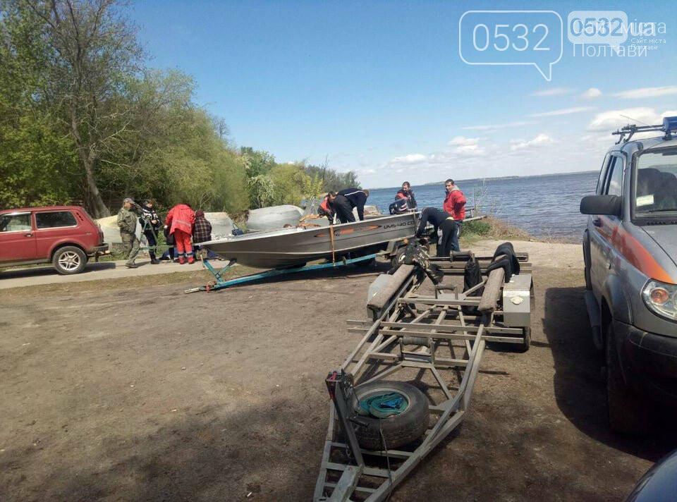 На Полтавщині вже тиждень не можуть знайти рибалку із перекинутого на Дніпрі човна, фото-1