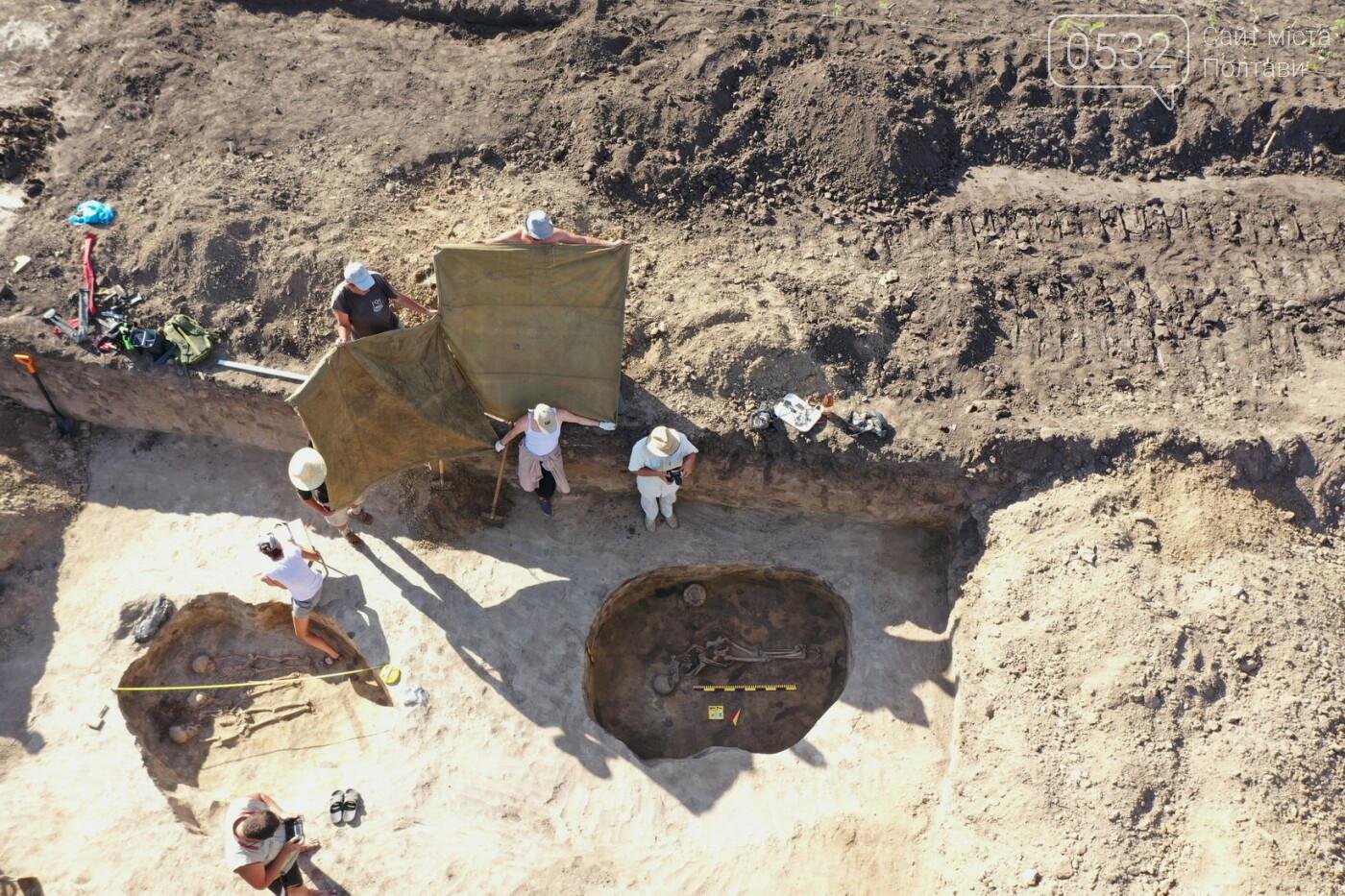 Для археологів розкопки - це не лише романтика, але й копітка праця