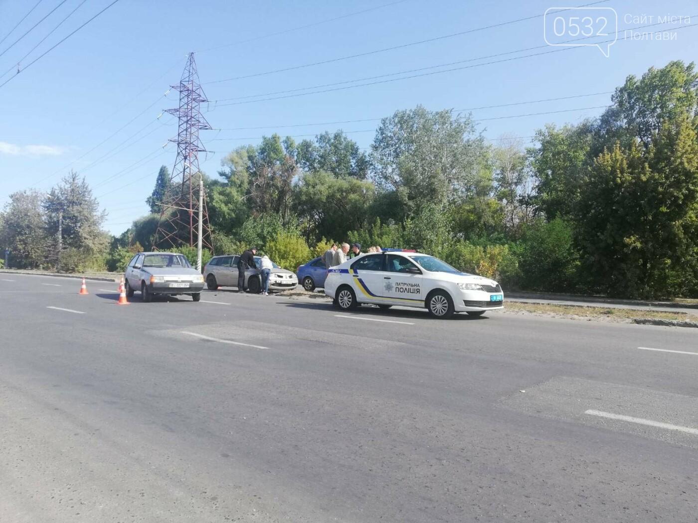 У Полтаві зіткнулися три автівки, фото-6