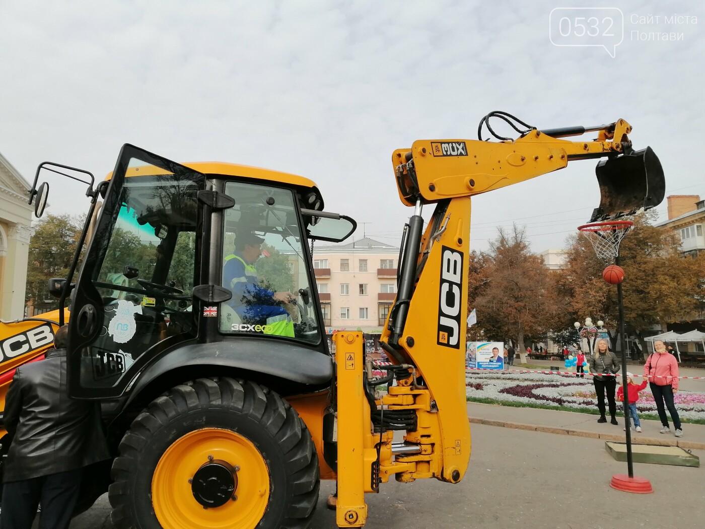 У Полтаві на площі перед театром Гоголя влаштували змагання водоканалів (ФОТО), фото-20