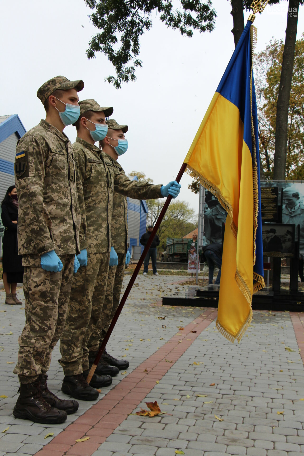 """У Полтаві відкрили """"Стіну пам'яті"""" загиблих за Україну воїнів (ФОТОРЕПОРТАЖ), фото-18"""