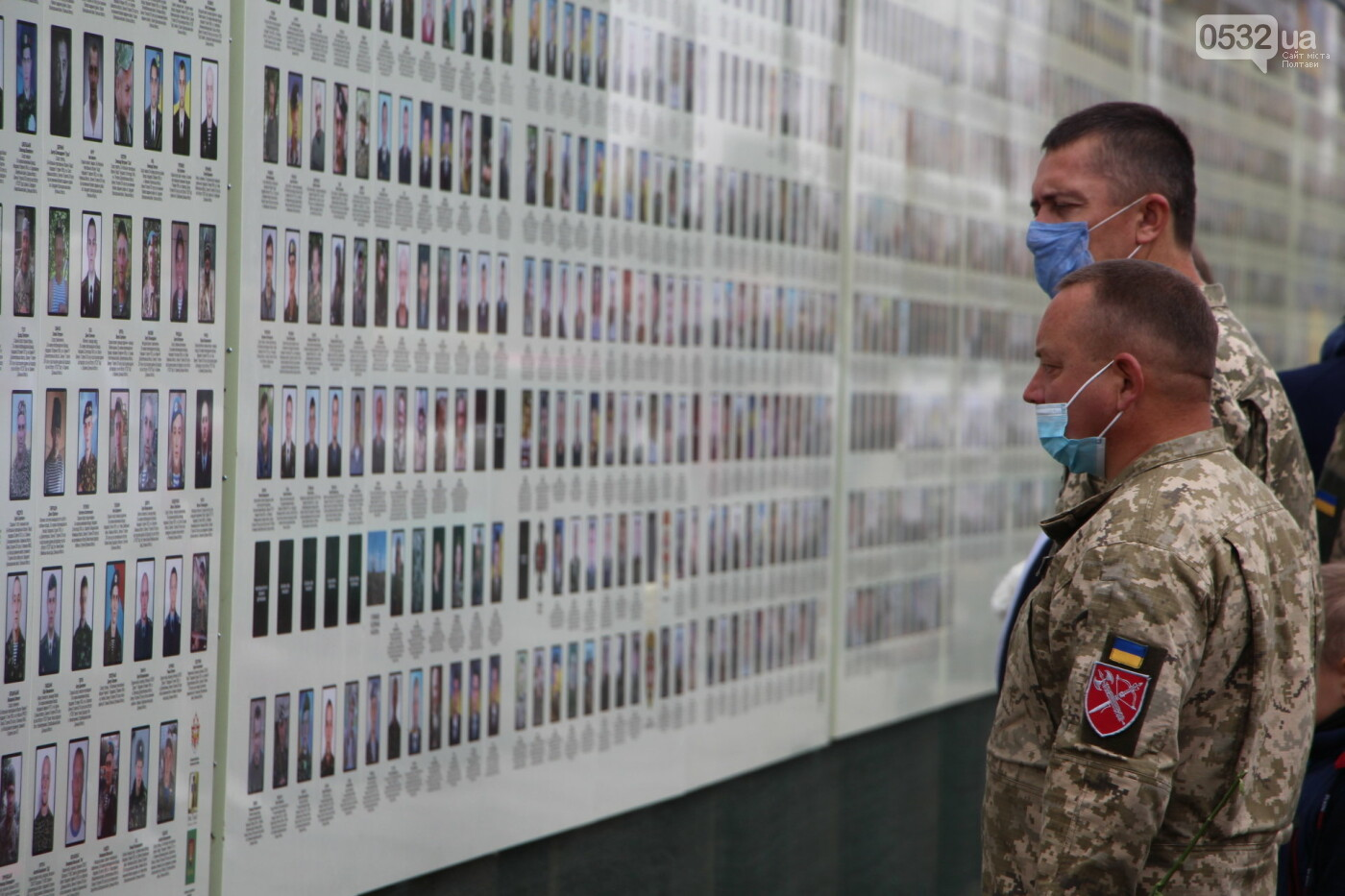 """У Полтаві відкрили """"Стіну пам'яті"""" загиблих за Україну воїнів (ФОТОРЕПОРТАЖ), фото-39"""