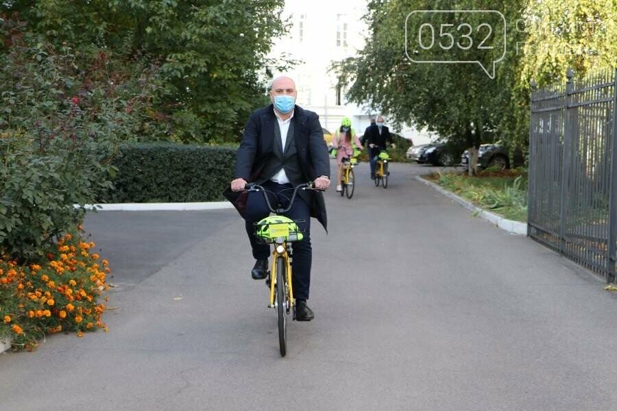 Для службових потреб працівників міської ради закупили 12 велосипедів, фото-2