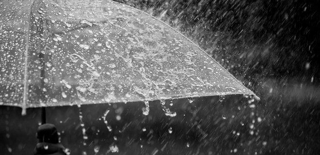 На Полтавщину йдуть грози та дощі