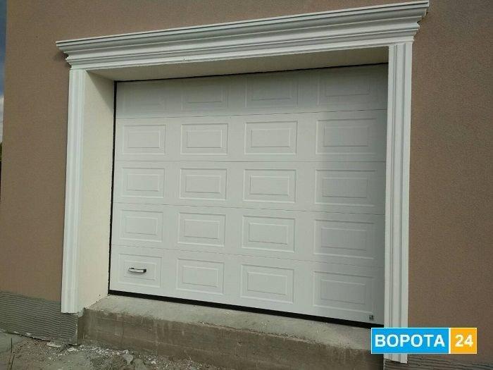 )garazhnye vorota Alyuteh Prestige v Harkove